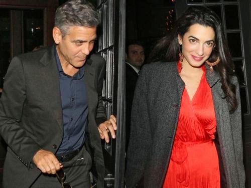 ハリウッド俳優ジョージ・クルーニーが16歳年下英国人弁護士のアマル・アラムディンと婚約!前回「もう二度と結婚しない」と言っていたが、それは事実なのか?!