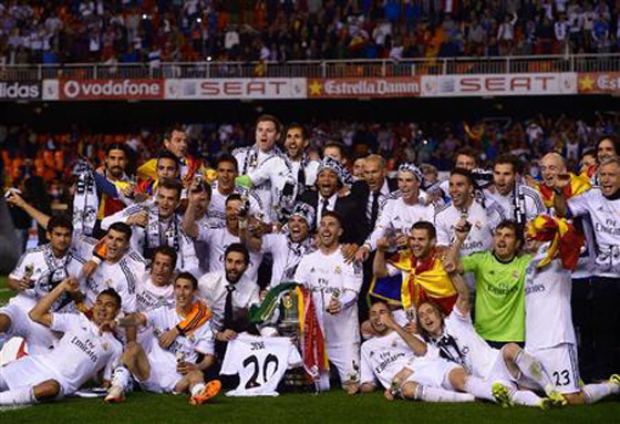 スペイン国王杯 伝統の一戦クラシコ レアル・マドリッド対バルセロナは、2-1でレアル・マドリッドが2年ぶりの優勝を飾る