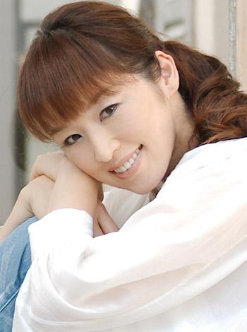 タレントの高岡由美子、準備から約1年5ヶ月、無事離婚成立を報告。