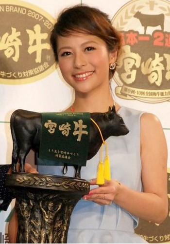 モデルの神戸蘭子、ブログで結婚報告。挙式は6月でハワイ婚