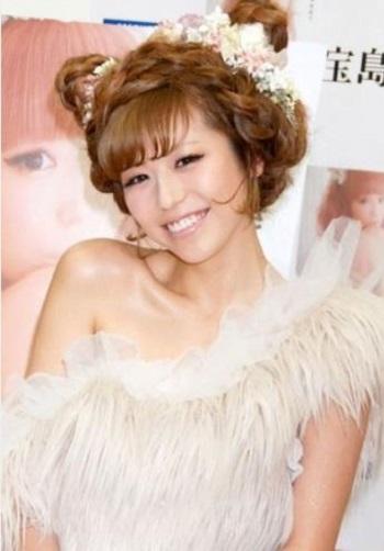 殿堂入りもしていた若槻千夏が10年続いたブログを終了!現在は?