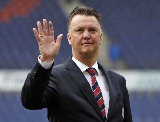 マンチェスター・ユナイテッドの新監督、現オランダ代表監督のルイ・ファン・ファール氏の就任が正式発表されました。
