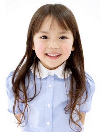 「赤ちゃんやめました!」で大人気!ダイハツ「タント」のCM「抱っこ」篇に登場する窪寺百合愛ちゃんのキュートな笑顔