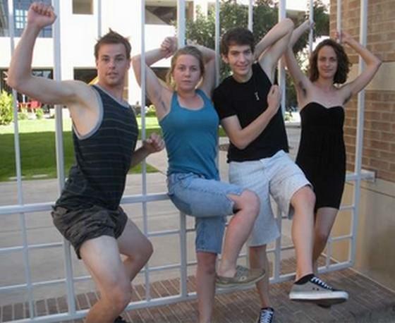 女子は腋毛伸ばせ!?アメリカ・アリゾナ州の大学で10週間ムダ毛処理止め男女の違い学ぶ