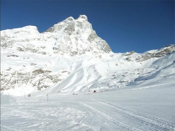 32年ぶり発見!?モンブランの山中で行方不明になった登山家の遺体が家族のもとへ
