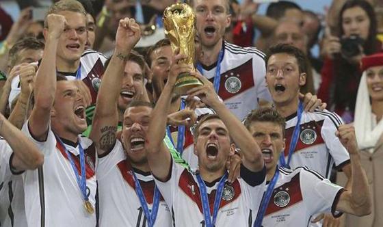 FIFAワールドカップ2014年ブラジル大会 決勝ドイツ対アルゼンチンは延長戦にもつれ込み1-0でドイツの勝利!FIFAワールドカップ4回目の優勝!【動画有】