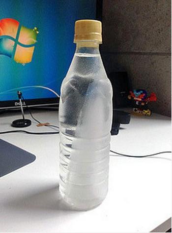 「すぐ飲めてずっと冷たいペットボトル作成法」とは!?Twitterで話題沸騰!