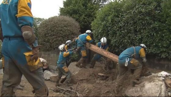 不明51人も。雨で捜索活動が難航な広島、安否確認が混乱