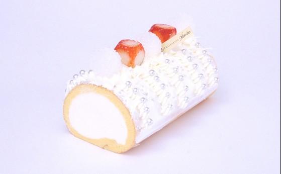 断面図が指輪!?キラ☆キラ★ロールケーキがモンシェールから限定発売。でも高いとおもうそこのあなた!作ってみてはいかがですか!?