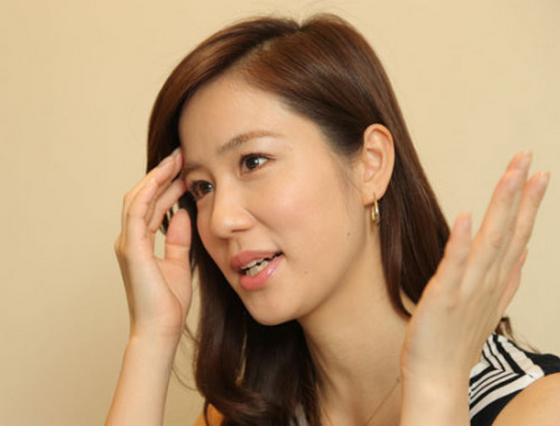 黒木奈々 胃がん治療のため、NHKBS1「国際報道2014」休養
