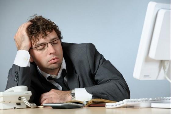 やっぱり昼寝は重要!?仕事の業績UPの為に効率UPのため導入する企業続出