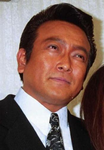 シミケンこと清水健太郎が現在、3度目の結婚で出直し 18歳年下美女