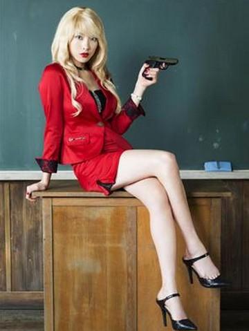 知英(元KARA)暗殺教室でビッチ先生役に!批判の声も